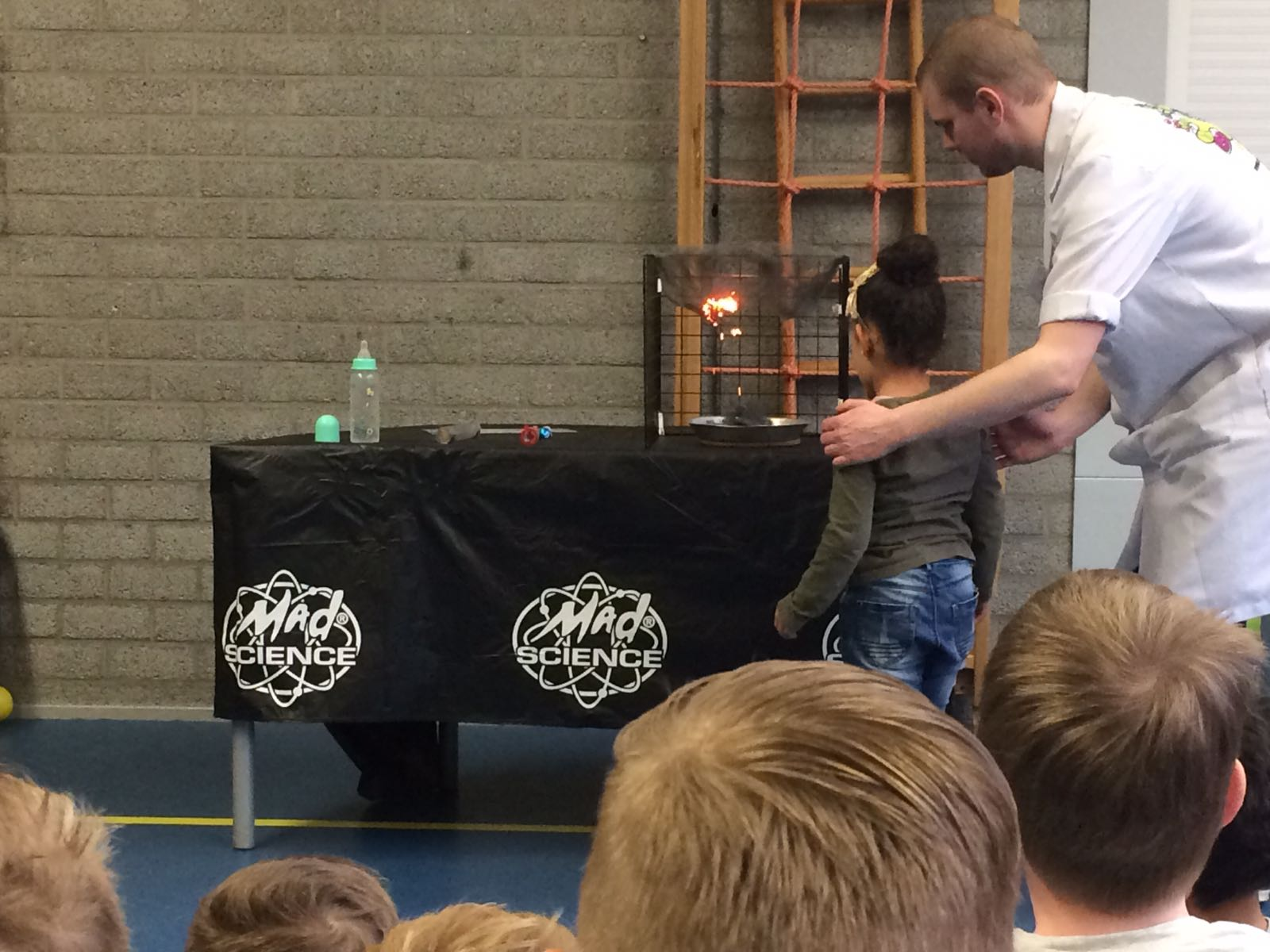 Demonstratie Mad Science gr 1-2 (15)