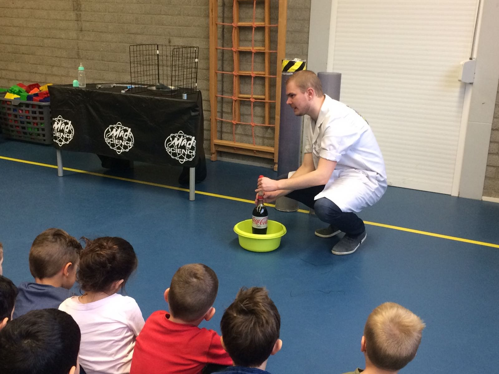 Demonstratie Mad Science gr 1-2 (18)