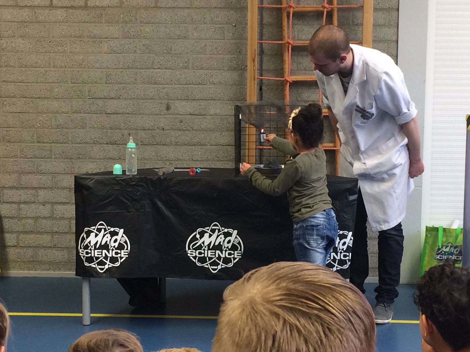 Demonstratie Mad Science gr 1-2 (20)