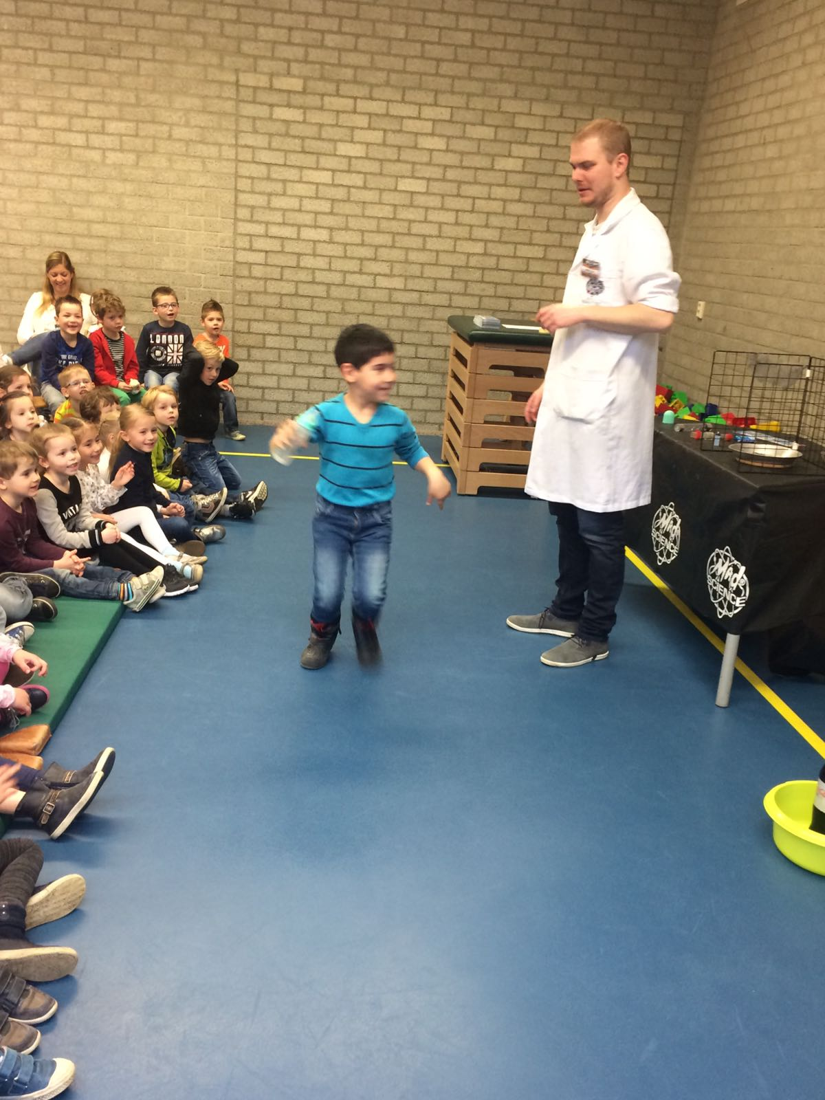 Demonstratie Mad Science gr 1-2 (6)